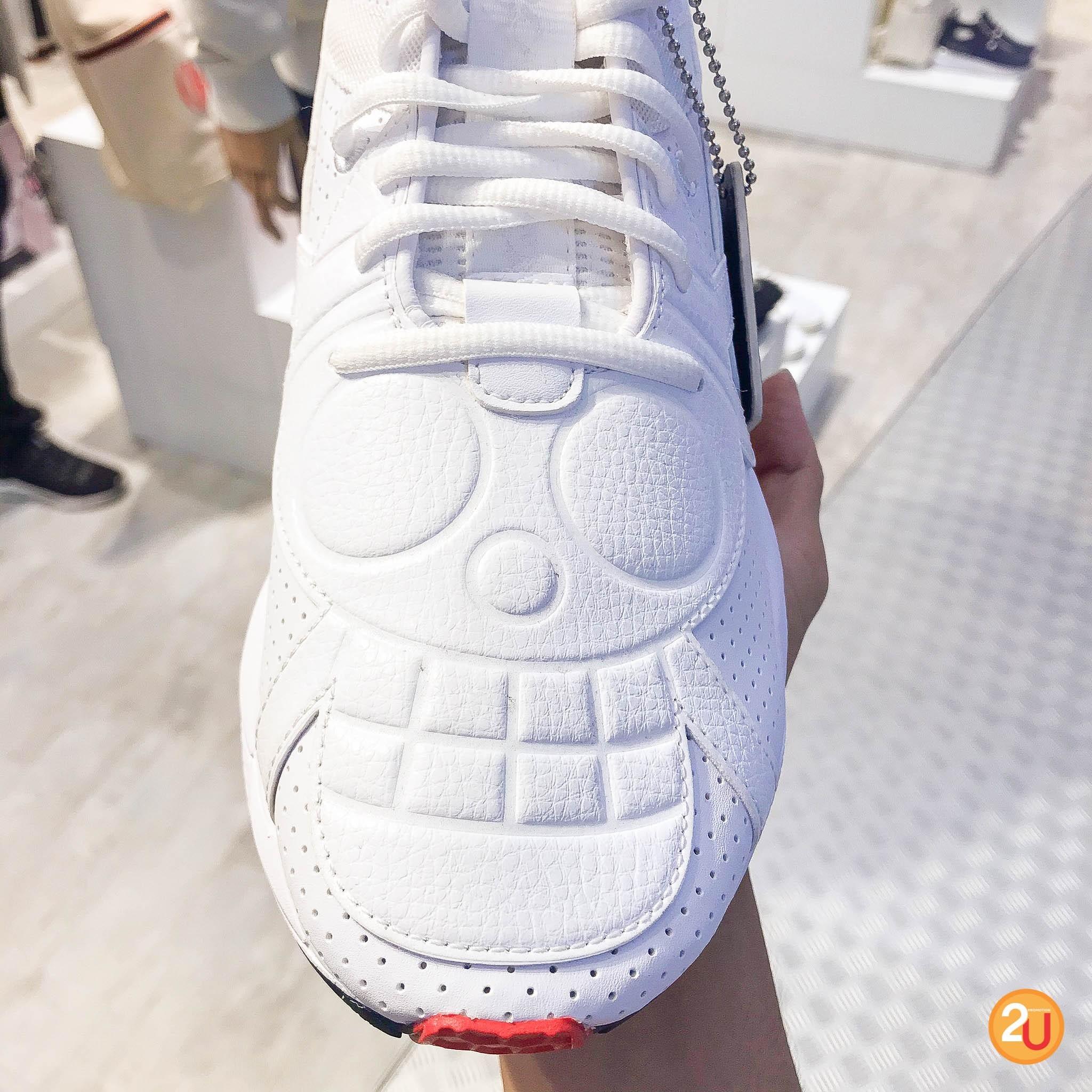 รองเท้า puma sneakers 2020 รุ่น one piece ด้านบนเป็นลายสัญลักษณ์ของกลุ่มหมวกฟาง